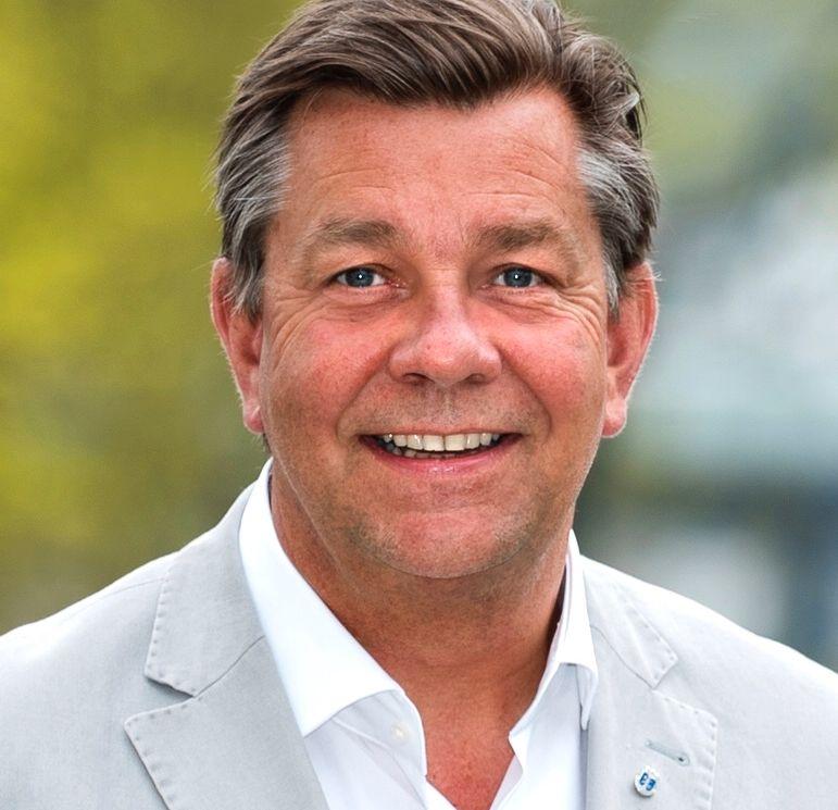 SNUDDE: Fredrik Haaning (H) er ordførerkandidat i Drammen. Han går mot bomring rundt byen - i motsetning til den nåværende ordføreren fra Høyre.