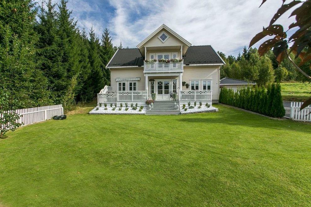 0e7ac256 SOLGT: Etter fem år i dette huset og landlige omgivelser i Siljan, er  Eriksen-familien klar for «et nytt kapittel». Huset ble solgt over  prisantydning, ...