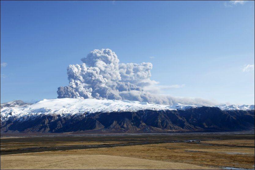 VULKANUTBRUDD: De fleste store byene i Europa er nå berørt av askeskyen fra Island. Foto: Reuters