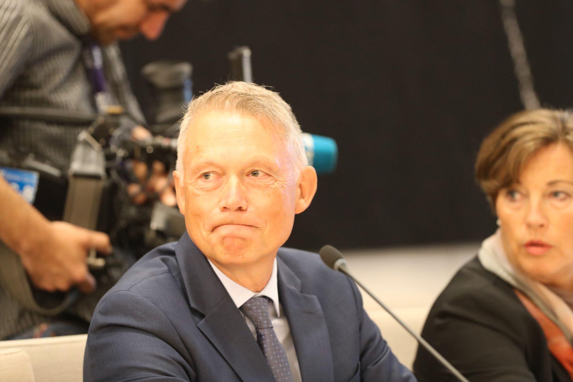 IKKE BRA NOK: NSM-direktør Kjetil Nilsen i Stortingets høring mandag morgen, sammen med assisterende direktør Annette Tjaberg.