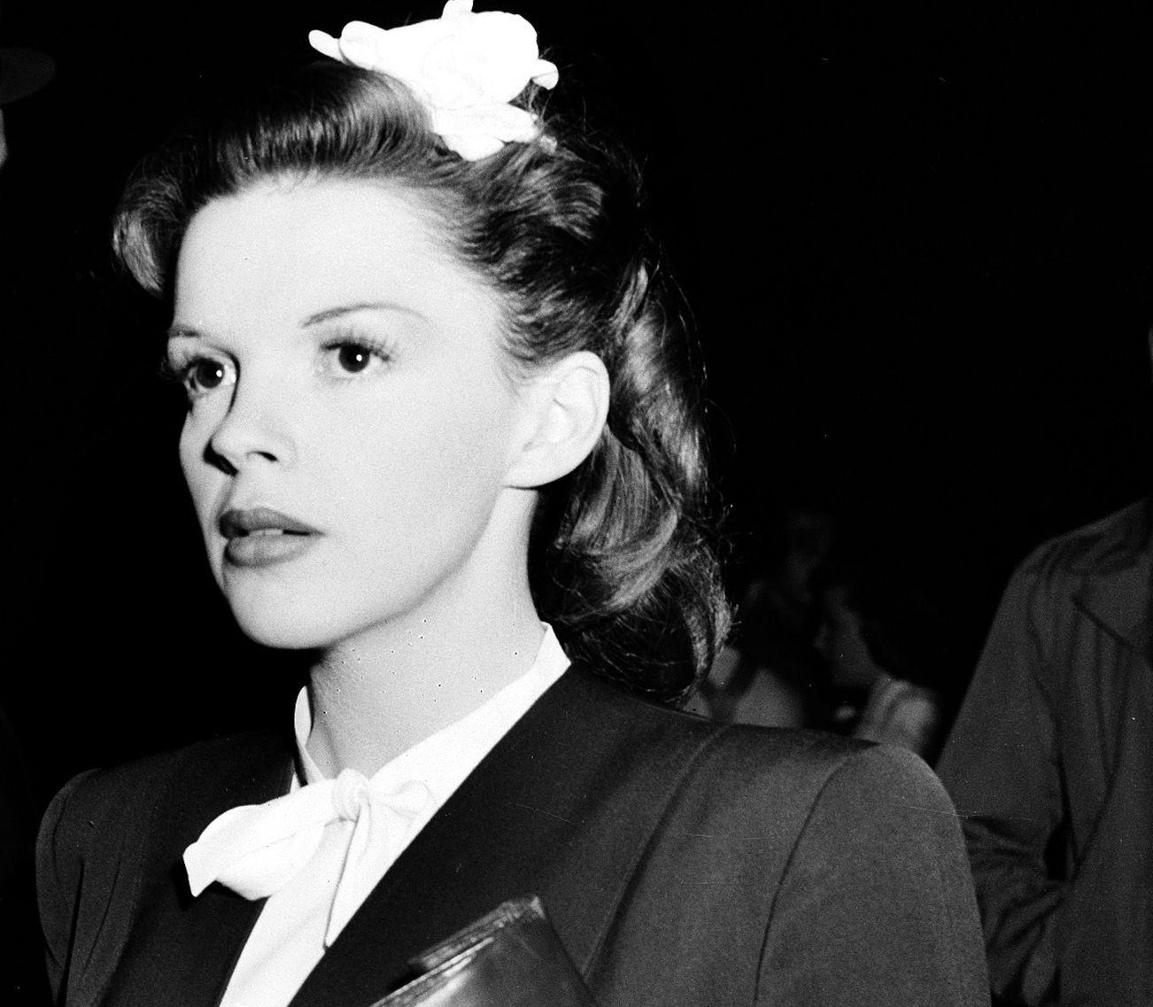 FILMDIVA: Skuespilleren og gullstrupen Judy Garland i 1945.