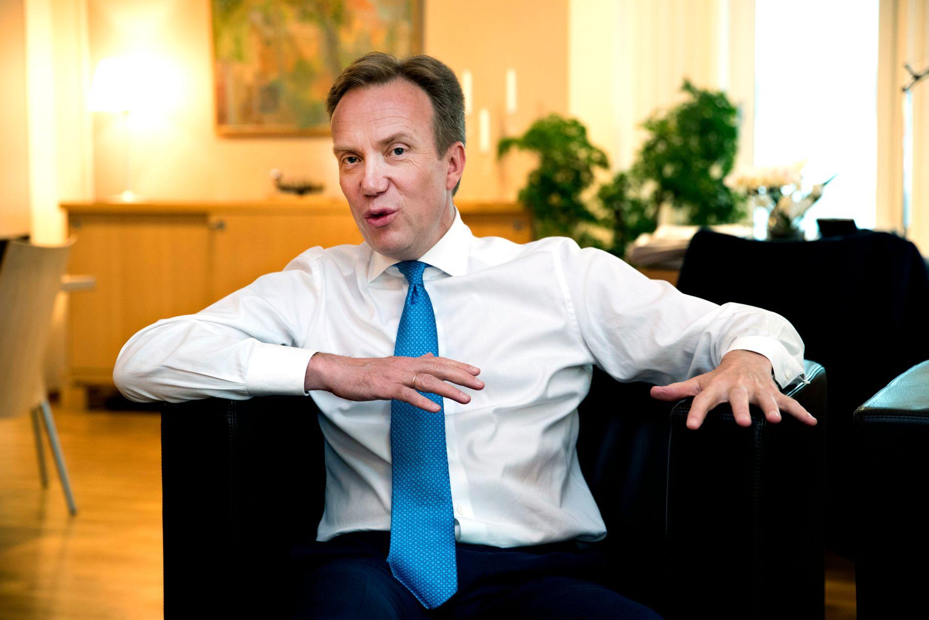 SVAK: Børge Brende fikk strykkarakter for sin innsats som utenriksminister i fersk Nupi-rapport.