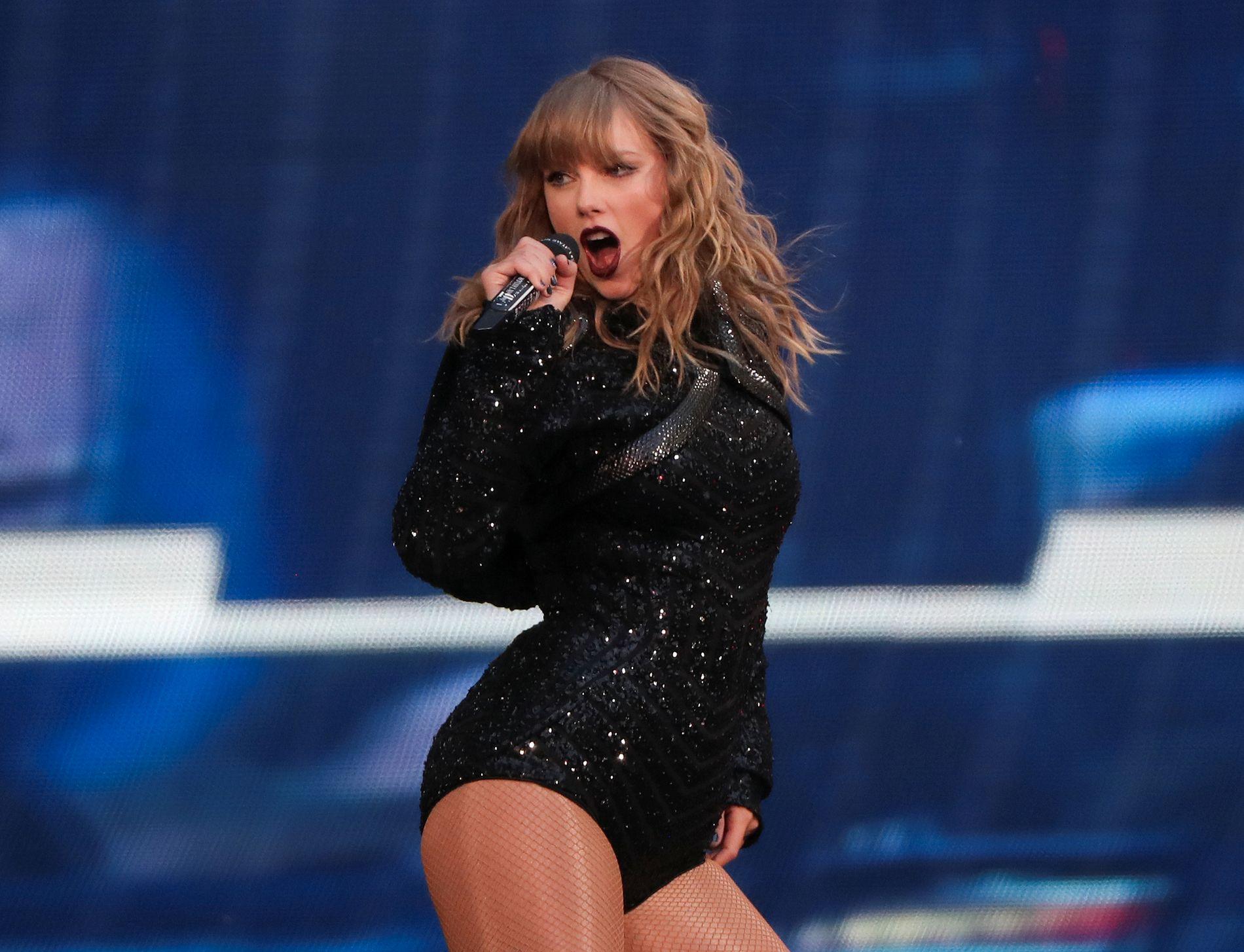 FULLE HUS: Taylor Swift (28) tjener for tiden store penger på «Reputation»-turneen, også med profilerte gjesteartister på plakaten.