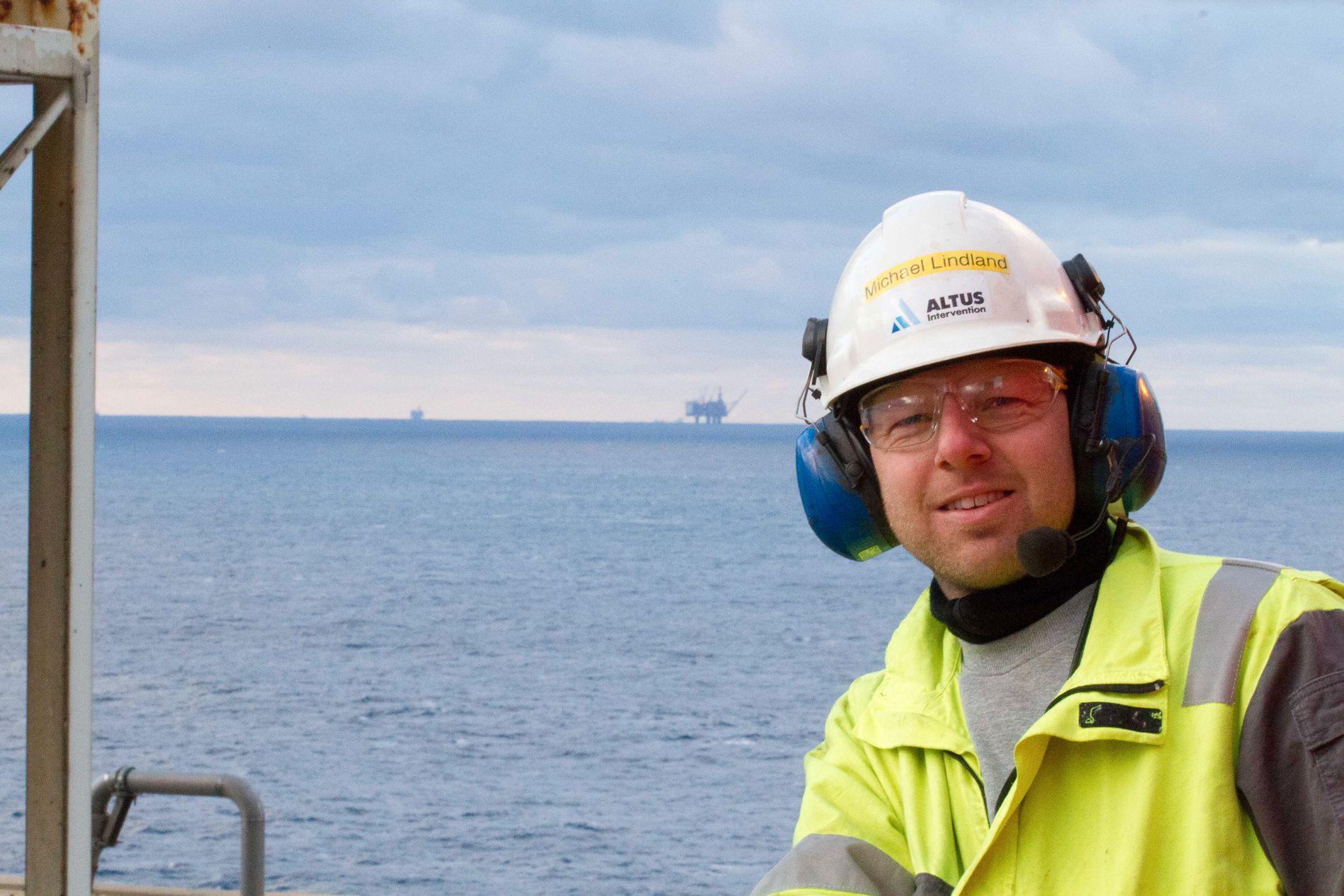 PERMITTERT: På dette bildet fra januar 2016 smiler offshore-arbeider Michael Lindland til kamera på Kvitebjørn-plattformen. Han visste ikke da at han ti måneder senere ville stå uten jobb.