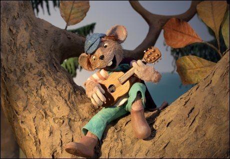 KLATREMUS: Landets mest kjente mus går til filmen, i animasjonsfilmen «Klatremus og de andre dyrene i Hakkebakkeskogen». Foto: Qvisten Animasjon