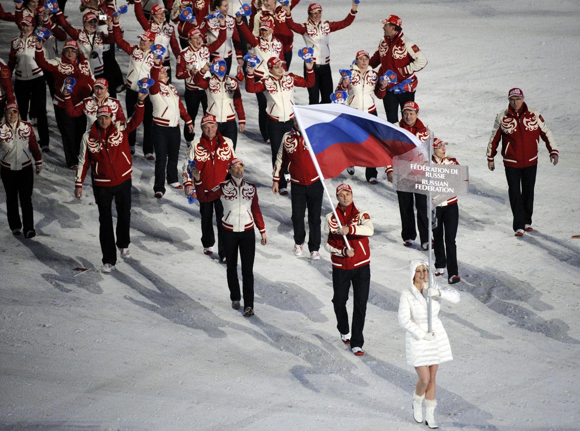 VANCOUVER: Den russiske troppen marsjerer inn under åpningsseremonien. I alt 177 utøvere var med der, nå er det 169 i Pyeongchang.