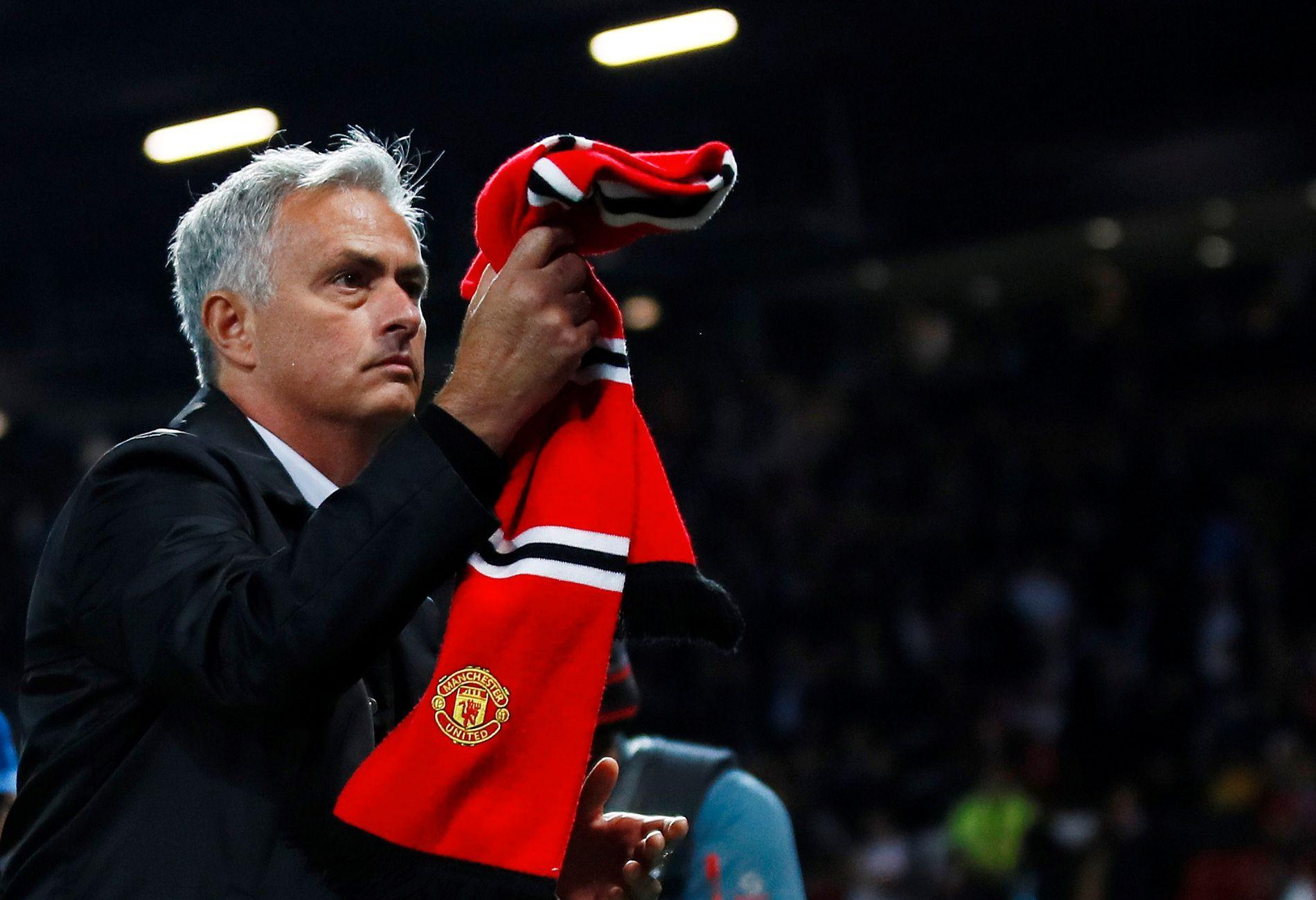 José Mourinho takket United-fansen for støtten etter hjemmetapet mot Tottenham. Hvor lenge har han den?