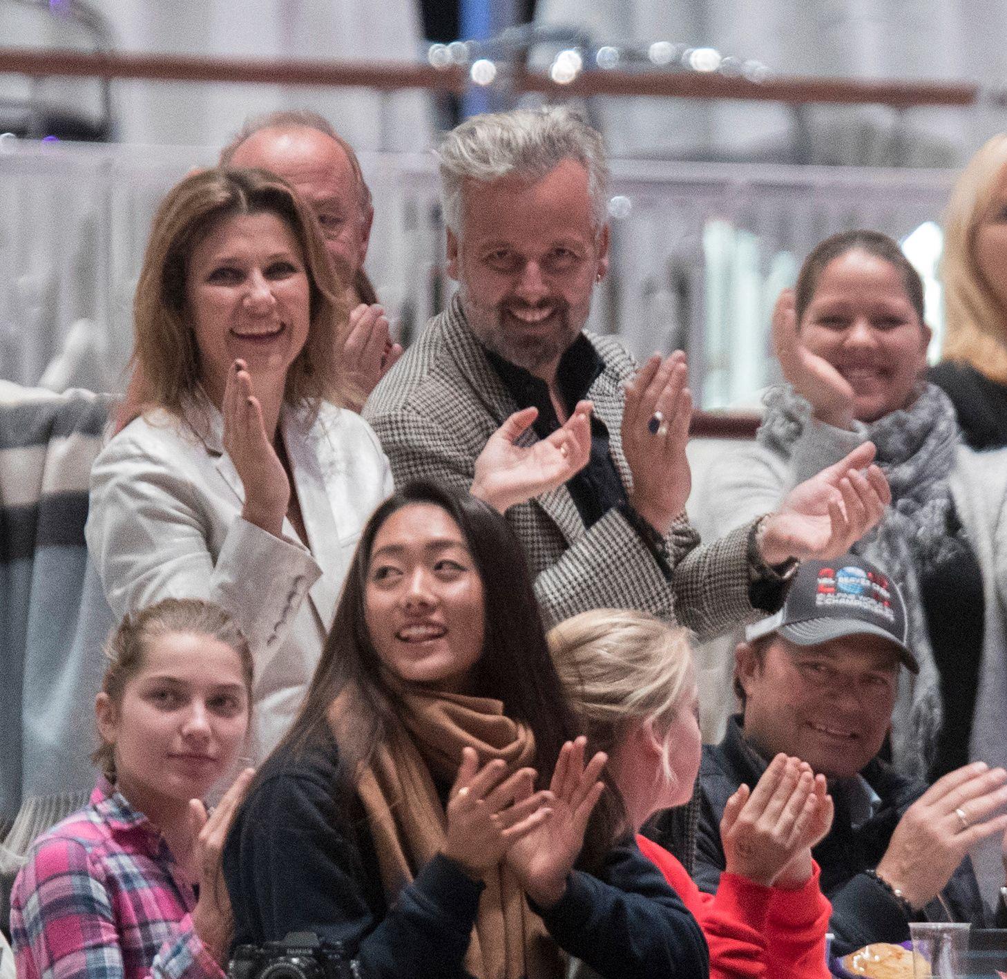 FORTSATT GODE VENNER: prinsesse Märthe Louise og Ari Behn er fortsatt gode venner. I fjor høst var de sammen på Oslo Horse Show hvor de fulgte fulgte døtrenes oppvisning. Nå blir det felles julefeiring på Kongsseteren