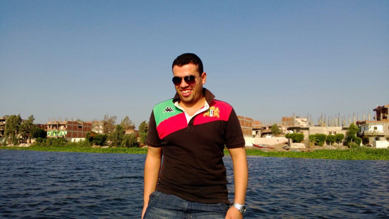 BROREN: En smilende Amr Ibrahim Metwally (26) fotografert under en båttur på Nilen før han forsvant etter en protest i 2013.