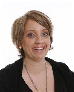 SER VIKTIGHETEN: Silje Berhus er leder for Aleneforeldreforeningens lokallag i Kristiansand og omegn. Hun håper Rødhette starter opp i løpet av neste år i Kristiansand. Foto: PRIVAT