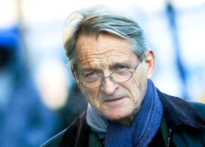 KRITISK: Tidligere høyesterettsdommer Ketil Lund mener det skjer omfattende brudd på menneskerettighetene i norsk tvangspsykiatri.
