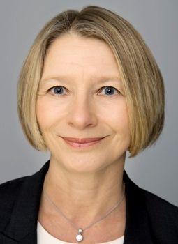 VENTER BEDRING: Forbrukerpolitisk direktør Gry Nergård i Finans Norge.