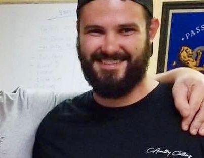 SKUTT: Telemachus Orfanos fra California er en av de 13 døde etter onsdagens skyteepisode på Borderline Bar & Grill i Thousand Oaks.