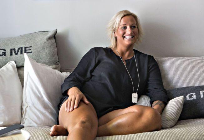 I PERLEHUMØR: Vibeke Skofterud er lettet over at hun slipper å tyne kroppen enda mer fra nå av. Hun trener likevel to økter om dagen. Her fra leiligheten sin i Oslo.