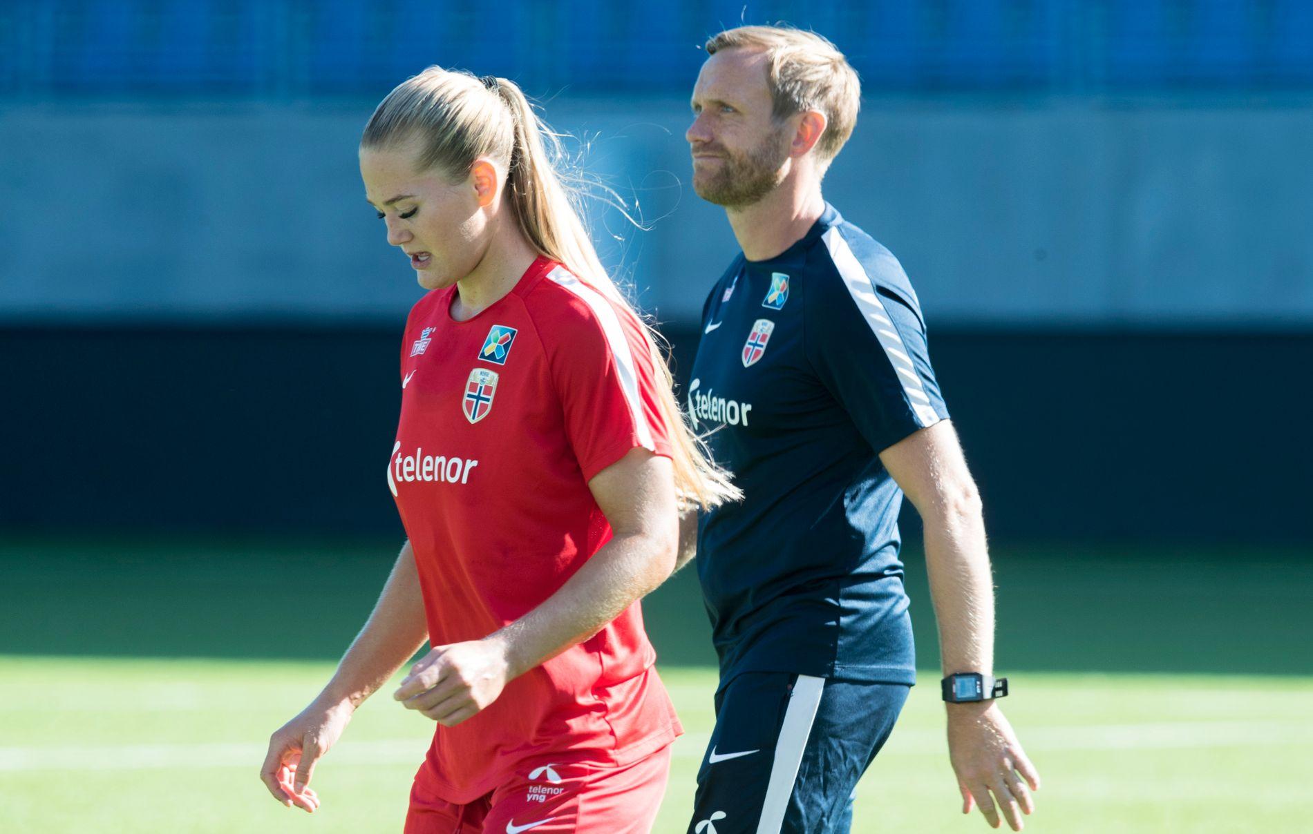 DEN NYE MATCHVINNEREN: Med Ada Hegerberg ute har Lisa-Marie Utland blitt Martin Sjögrens nye goalgetter. Hun har syv mål, og bare belgiske Janice Cayman er foran (ni) i VM-kvalifiseringen.