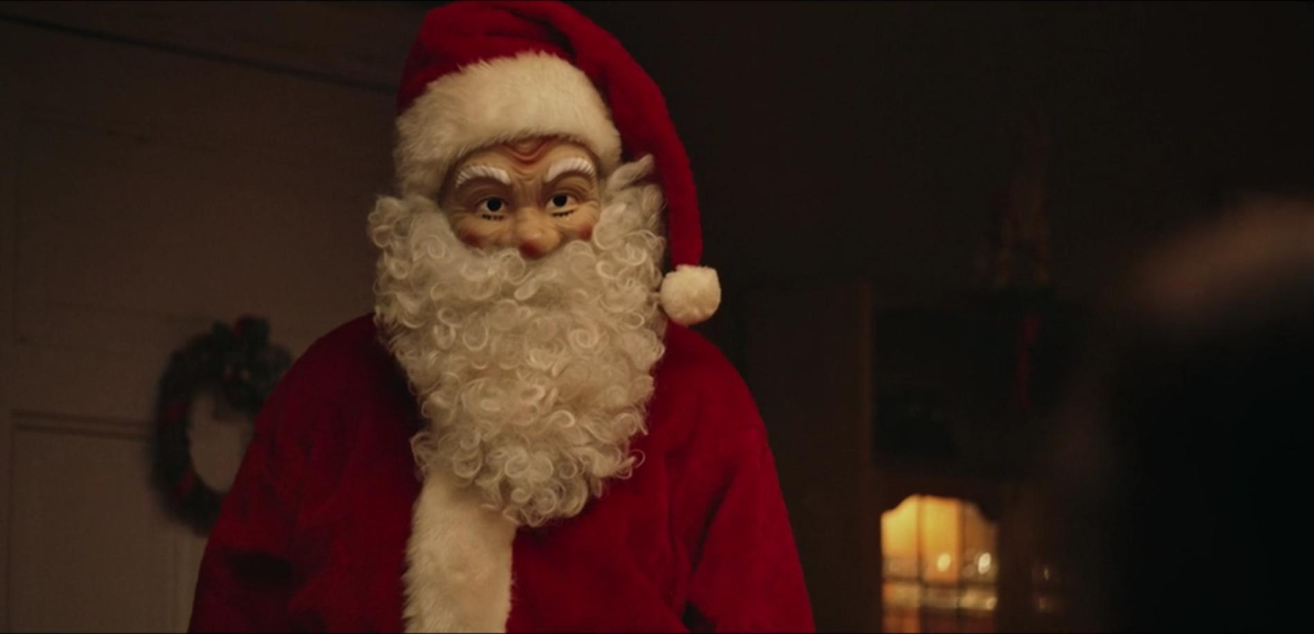 MORDEREN: Under julemiddagen avsløres det hvem som har tatt livet av familiemedlemmer hele desember.