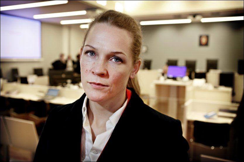 FØLGER RETTSSAKEN: Åsne Seierstad følger rettssaken mot Anders Behring Breivik i Oslo Tinghus. Hun skriver for Newsweek, men forbereder også materiale til bok om rettssaken. Foto: Mattis Sandblad