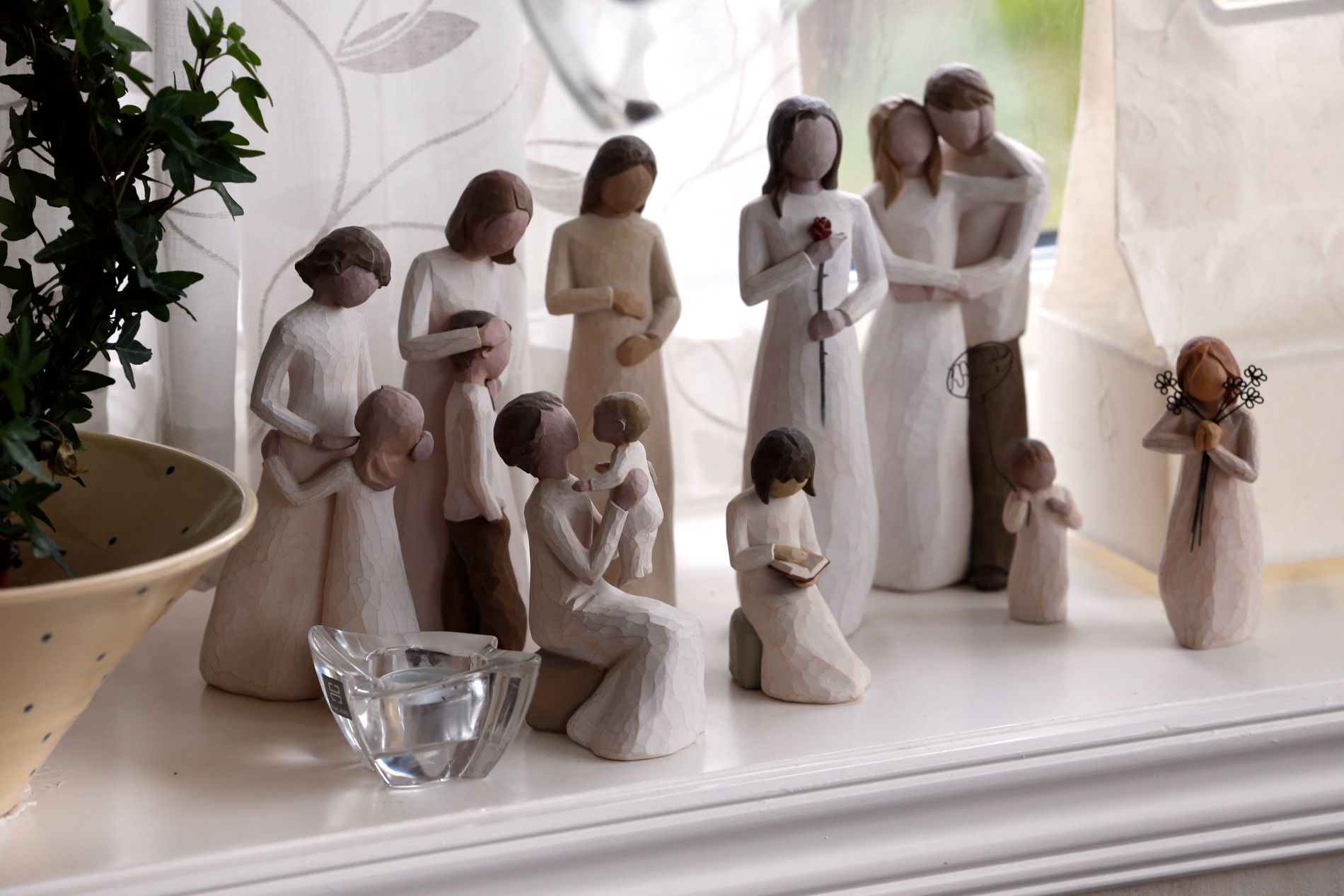 ENGLER I STUEN: – Englenes glede og jubel, og ikke minst deres omsorg for mitt liv, ga meg som liten gutt en dyp trygghet. Jeg er derfor glad for at kirken har bevart noe av tenkningen rundt engler i sin liturgi, skriver Kim Larsen.