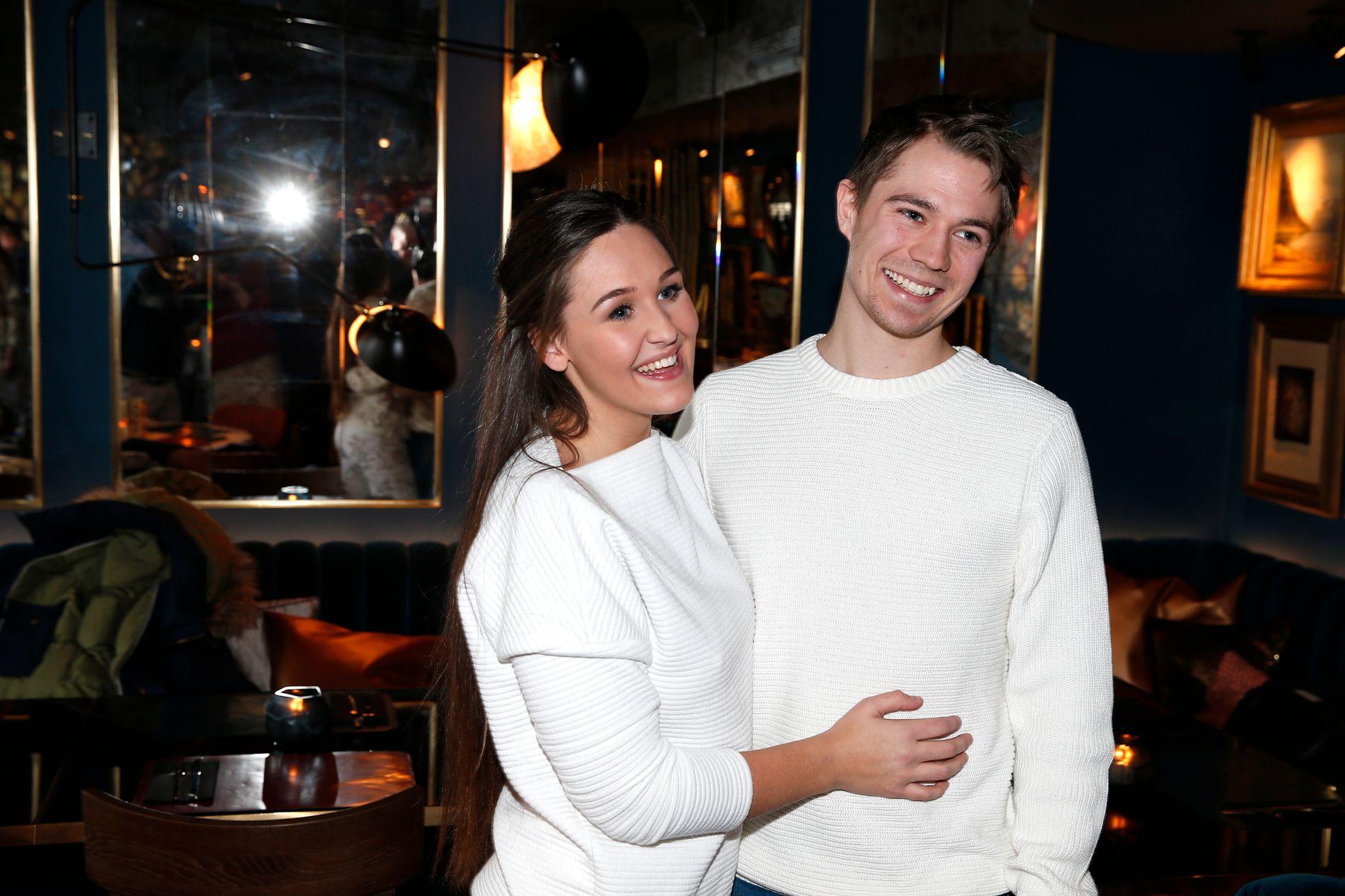 PAR: Bloggeren Anna Rasmussen (19) og samboeren Jan Lossius (23).