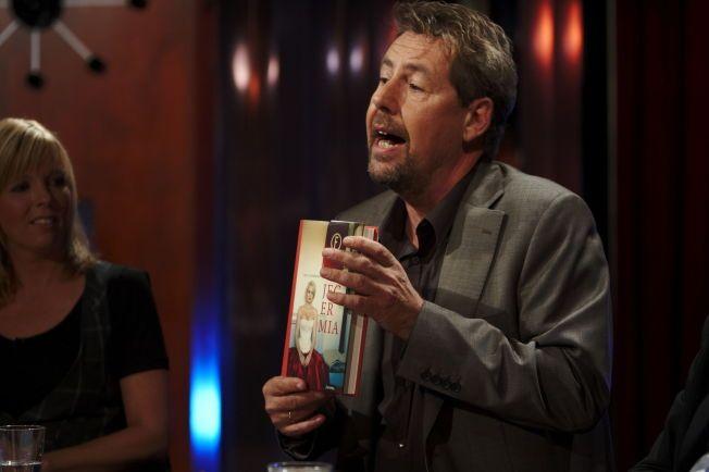 HEDRET: Her er Otto Jespersen fra programmet «Torsdagsklubben» som gikk på TV 2 med Silje Stang og Thomas Giertsen. Lørdag ble han hedret med komiprisens hederspris.