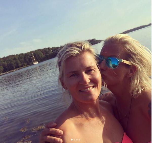 MINNES KJÆRESTEN: Marit Stenshorne har søndag kveld lagt ut flere bilder sammen med kjæresten Vibeke Skofterud.