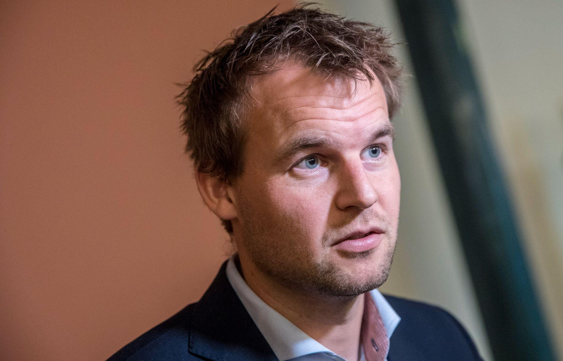 KrF-nestleder Kjell Ingolf Ropstad heller kaldt vann i blodet til dem som håper å få stanset regionreformen.