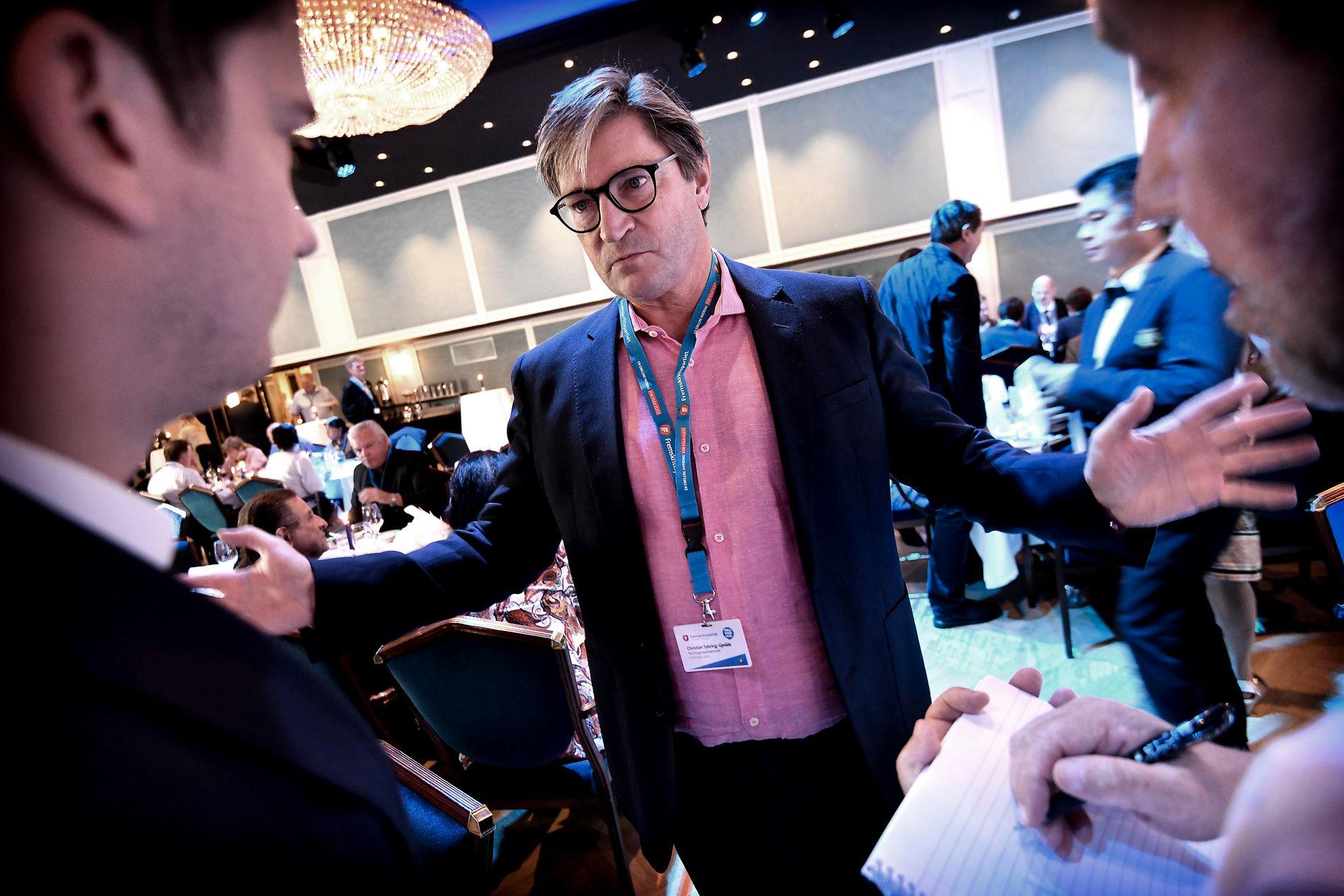 DALENDE RESULTAT: Frps Christian Tybring-Gjedde på partiets valgvake da prognosene ble offentliggjort klokken 21.
