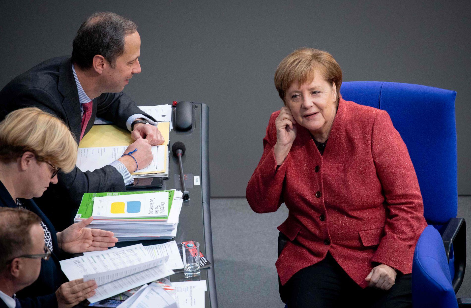 STÅR PÅ SITT: Tysklands statsminister Angela Merkel står fast ved at FNs migrasjonsavtale ikke blander seg inn i nasjonenes suverenitet.
