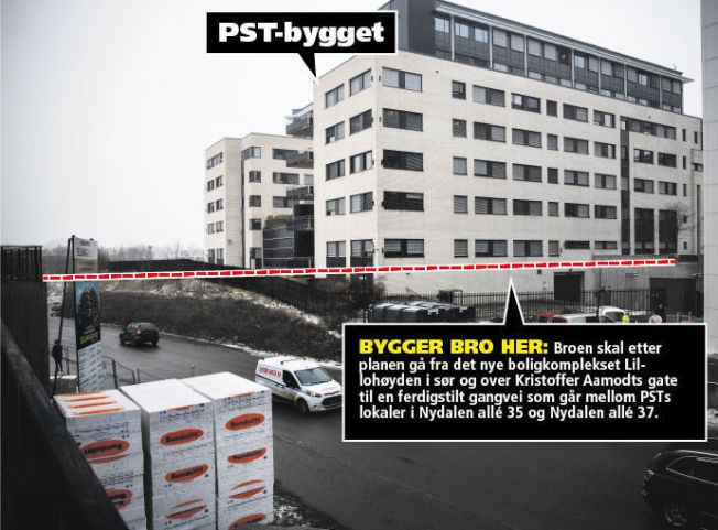 INGEN BRO I SIKTE: Over denne veien i Nydalen i Oslo skulle gangbroen gått, fra PSTs lokaler til det nybygde boligkomplekset Lillohøyden. Foto: TERJE BRINGEDAL/VG
