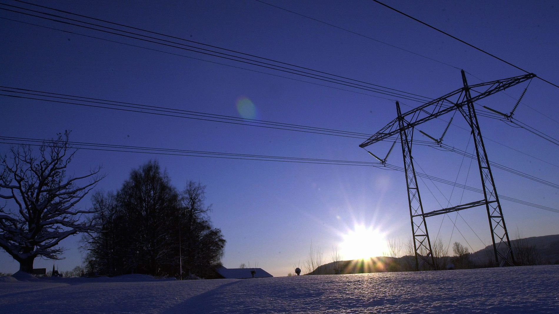 KALD VINTER: Den tørre høsten kan gi nordmenn strøm-sjokk i vinter.