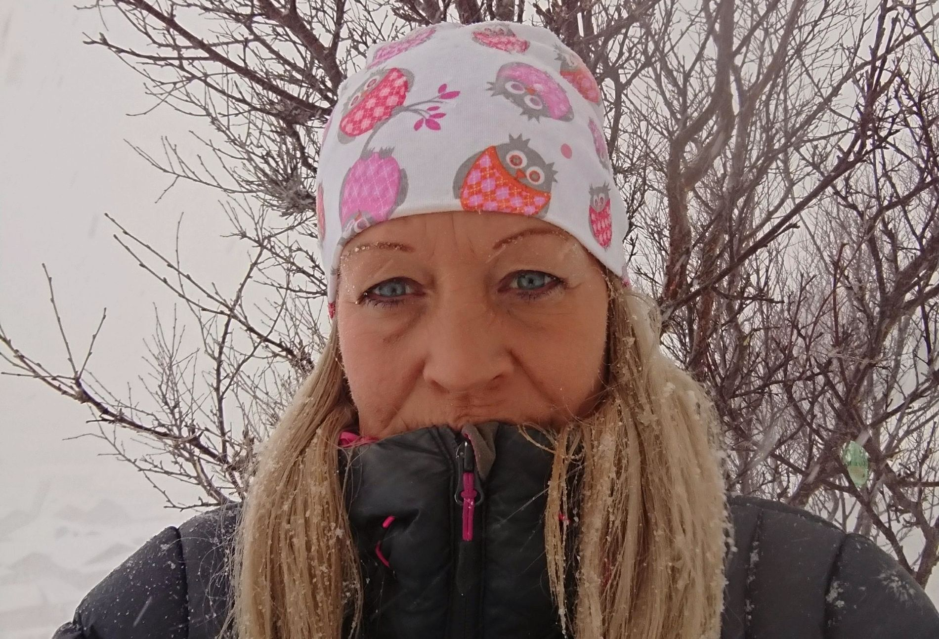 PÅSKEHARE: Signe Helene Østrevik ofret påskeegget sitt til en strandet trailersjåfør i år.