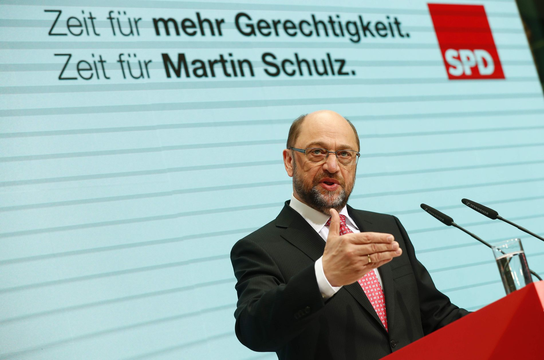 Former European Parliament chief Martin Schulz, Chancellor candidate of Germany's Social Democratic Party (SPD), gis a press conference at the SPD headquarters in Berlin on January 30, 2017. / AFP PHOTO / Odd ANDERSEN