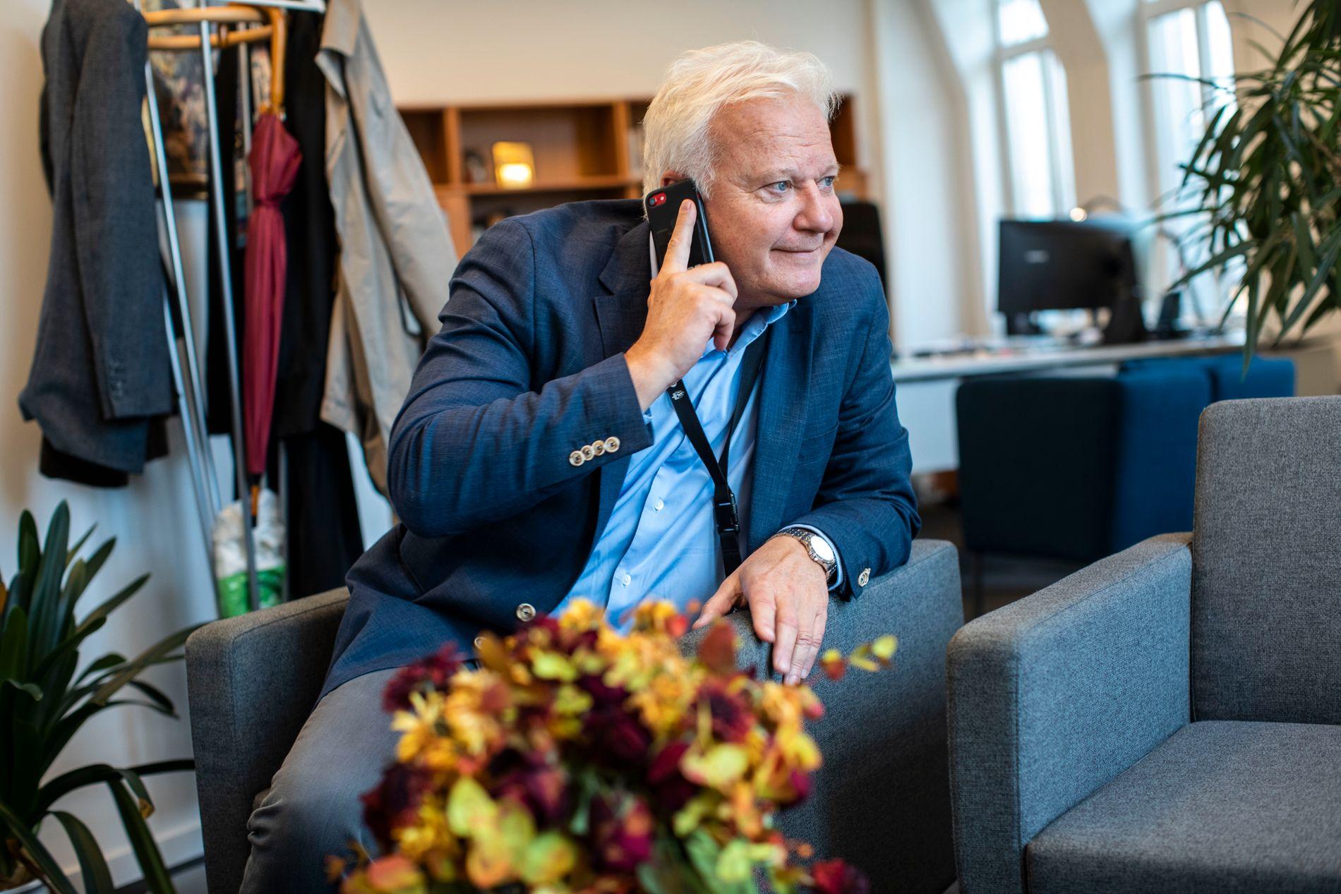 NY RIKSADVOKAT: Jørn Sigurd Maurud, her på kontoret sitt hos Oslo statsadvokatembeter fredag morgen. Først mandag er han på plass hos Riksadvokatembetet.