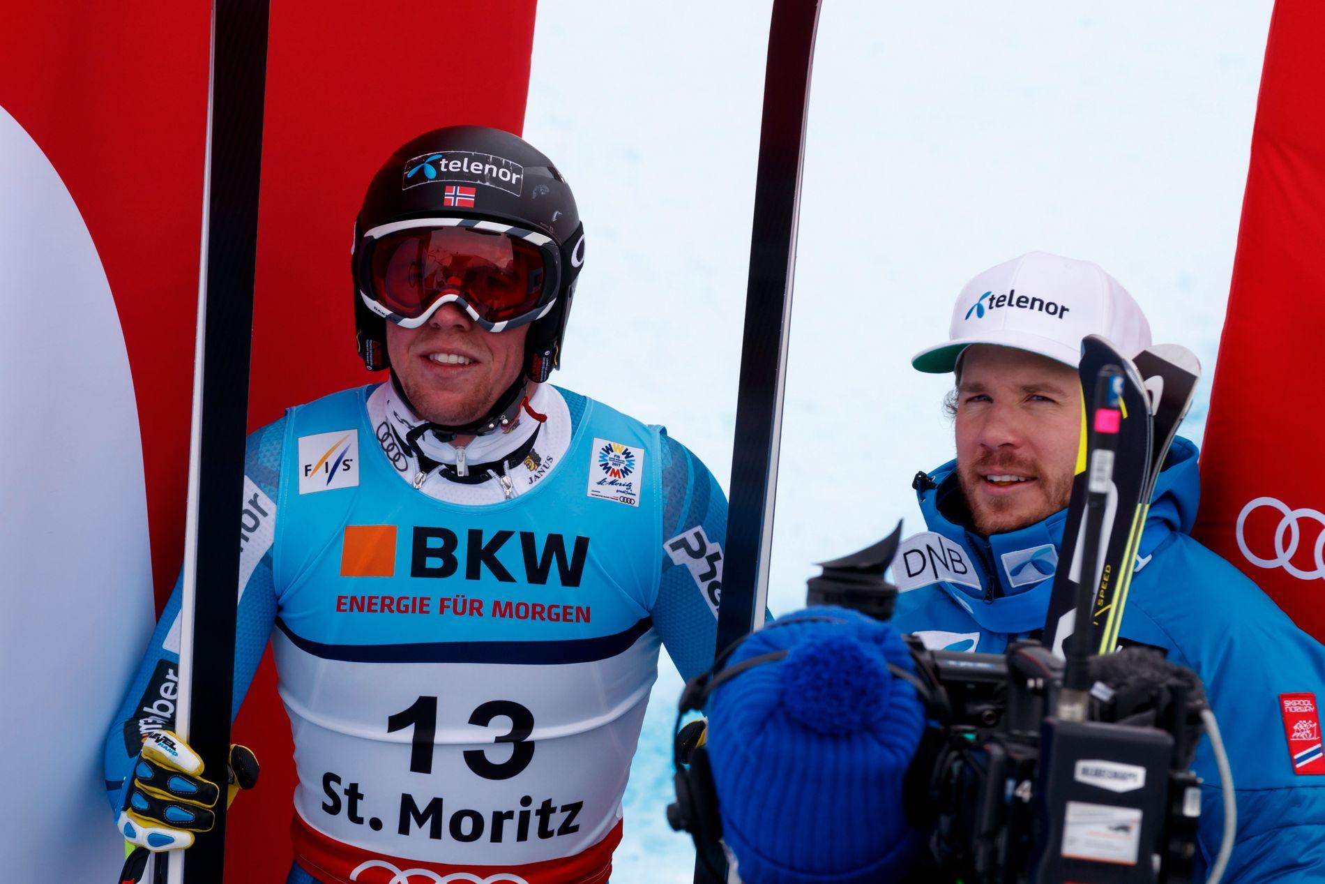 DOBBELT SÅ STERKE SAMMEN: Norges fartslag i VM er lite, men har ett sølv, to fjerdeplasser og én sjetteplass så langt. Mandag kjører Aleksander Aamodt Kilde (til venstre) og Kjetil Jansrud for medalje i kombinasjonen.