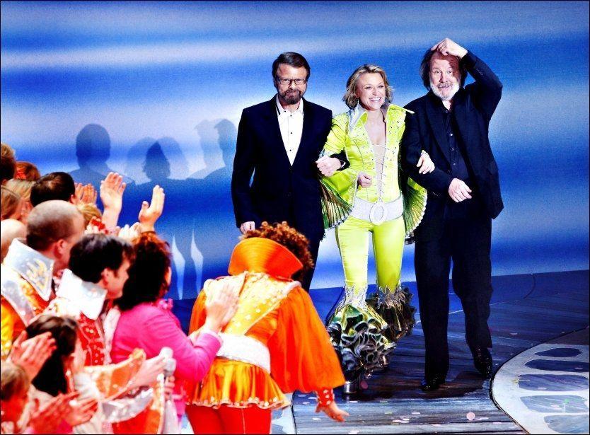 SUKSESS: Her fra premieren tidligere i år. Björn Ulvaeus og Benny Anderson sammen med hovedrolleinnehaver Heidi Gjermundsen Broch. Foto: Scanpix