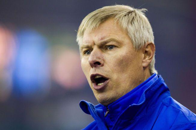 STERK MANN: Aleksander Smirnov var kaptein på Russlands OL-lag i 1994. Nå gjør han bravader med Storhamar, som har vunnet to CHL-kamper på rad.