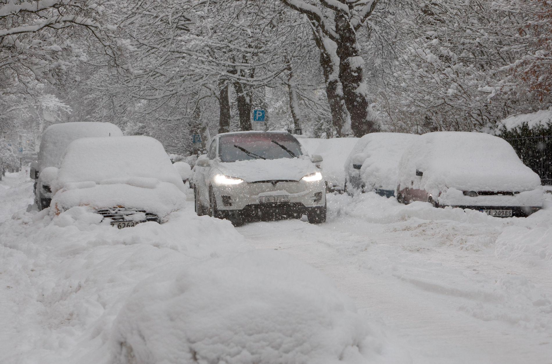 FORSVINNER FORT: Milde temperaturer gjør at mesteparten av snøen som er ventet denne uken trolig vil forsvinne fort igjen. Bildet er tatt på Frogner i januar i år.