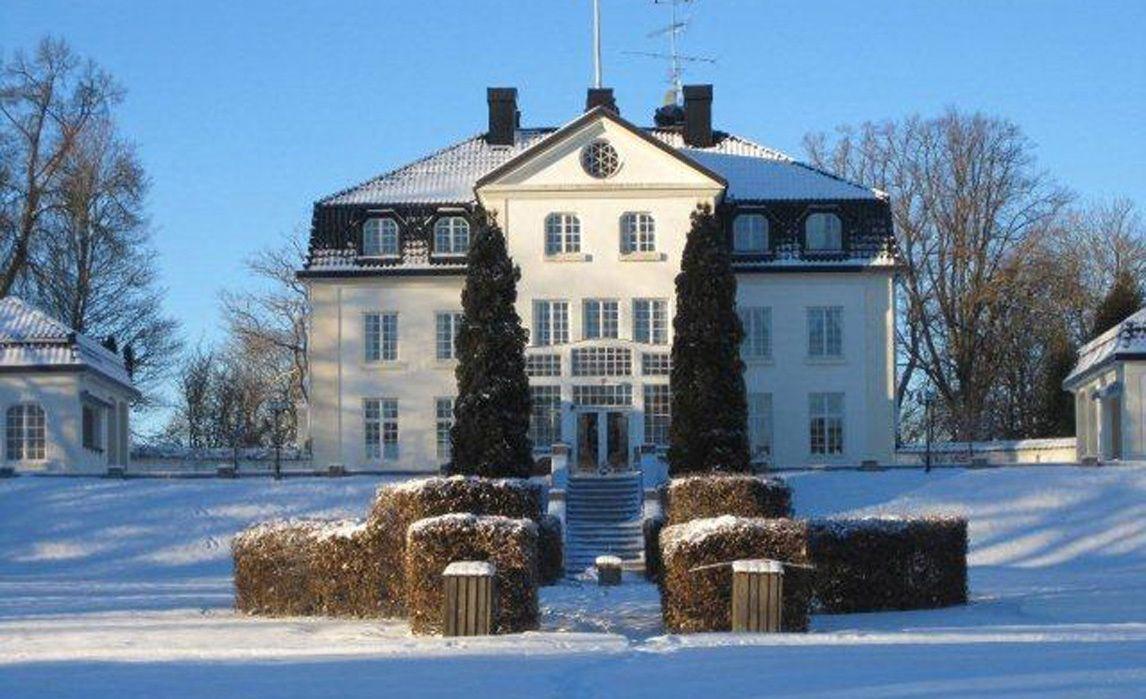 I VINTERDRAKT: Baldersnäs herrgård i Dals Långed