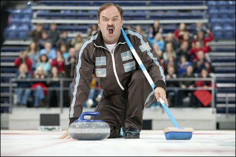 ALT FOR CURLINGEN: Atle Antonsen i rollen som curlingspilleren Truls Paulsen, som blant annet sliter med tvangstanker. Foto: L-P Lorentzen/Euforia/4 1/2 Fiksjon