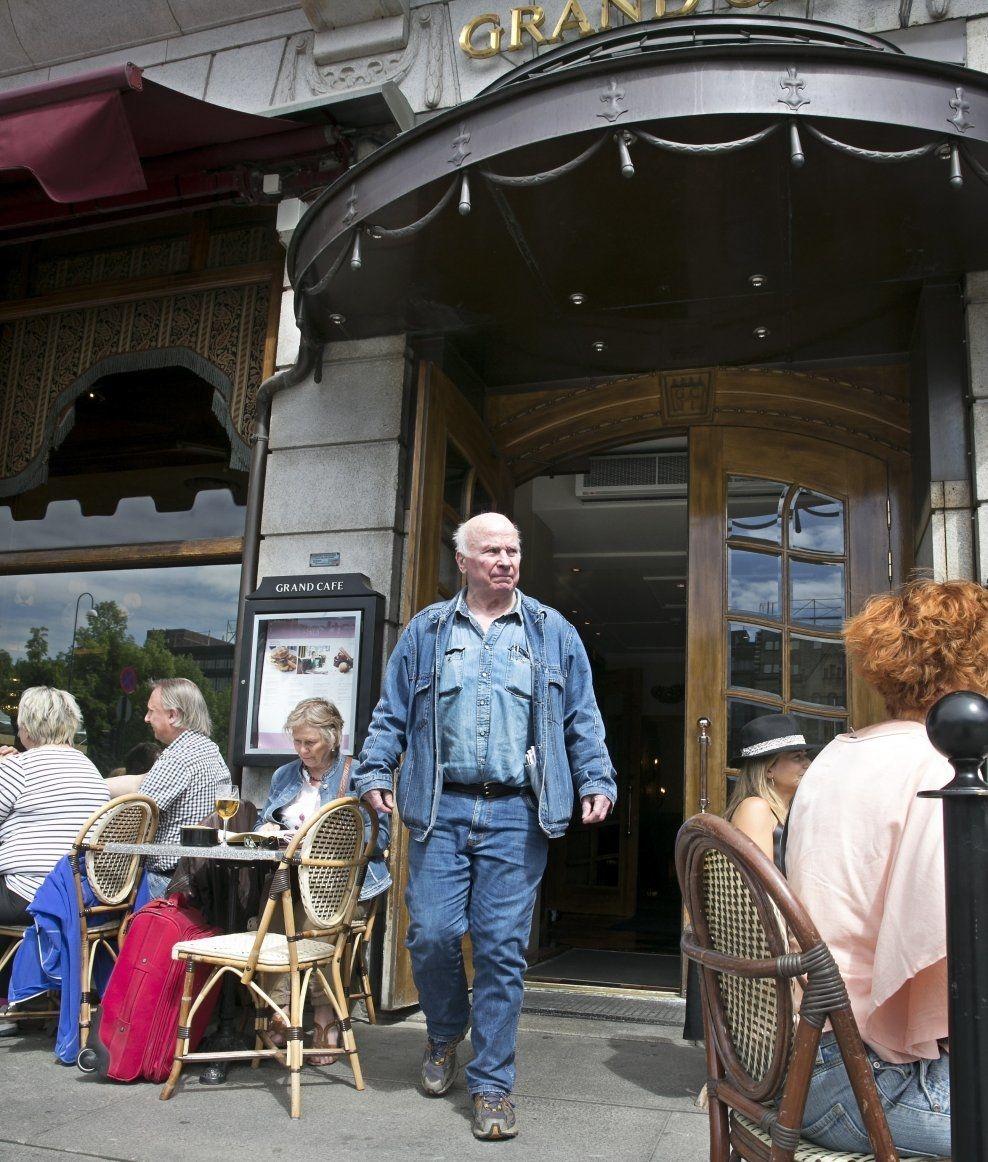 TILBAKE: Her, på Karl Johan i Oslo, ble Fredrik Fasting Torgersen observert av to vitner drapskvelden for over 56 år siden. Foto: Jan Petter Lynau