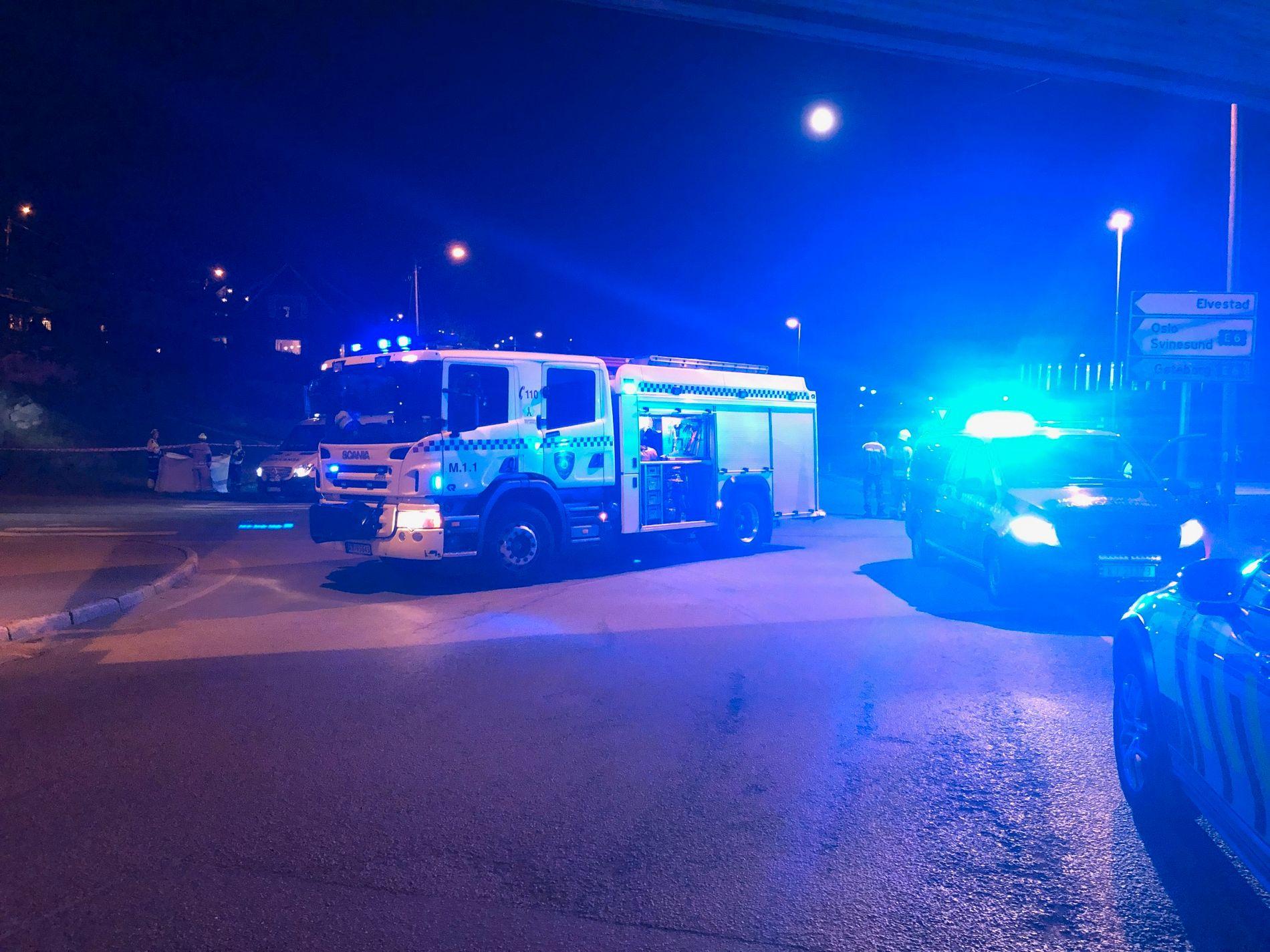 DØDSULYKKE: Politiet i Øst rykket natt til søndag ut til en alvorlig trafikkulykke i Moss. Ulykken skjedde på veien mellom E6 og Moss.