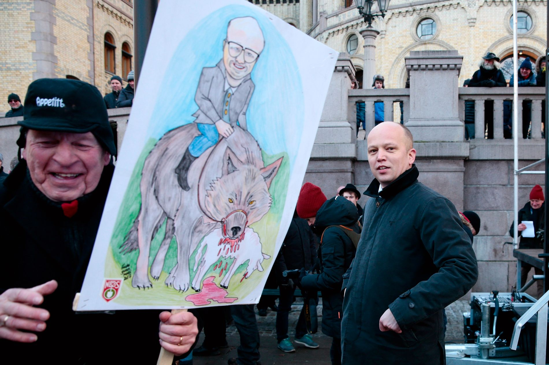 FÅTT NOK: Senterparti-leder Trygve Slagsvold Vedum, her under demonstrasjonen mot regjeringens ulvepolitikk i Oslo i like etter nyttår.