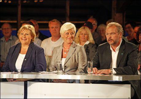 MØTTES IGJEN: Onsdag kveld møttes partilederne igjen. På bildet er Erna Solberg (H), Siv Jensen (Frp) og Lars Sponheim (V) under partilederdebatten i Kristiansand mandag kveld. Foto: SCANPIX