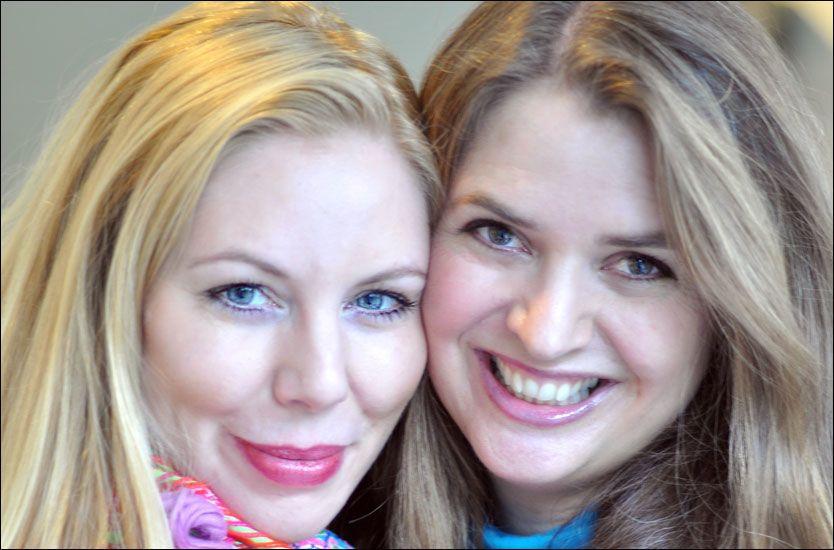 HEIR PÅ DE SOM TRENGER DET MEST: Rebekka Nøkling og Anbjørg Sætre Håtun mener folk som sliter med sykdom ofte kjemper en usynlig kamp bak lukkede dører. Foto: Livslystportalen