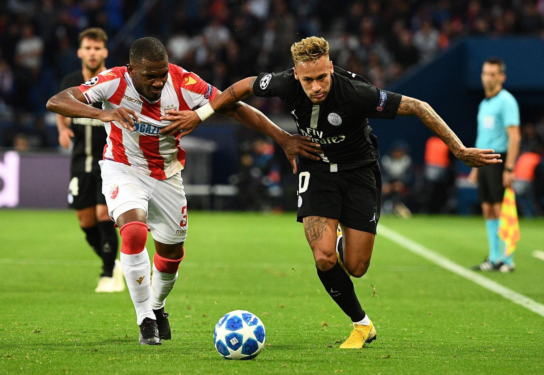HERJET: Neymar herjet mot Røde Stjerne, i en kamp der han blant annet scoret to nydelige frispark-mål. Nå etterforskes kampen i frykt for kampfiksing.