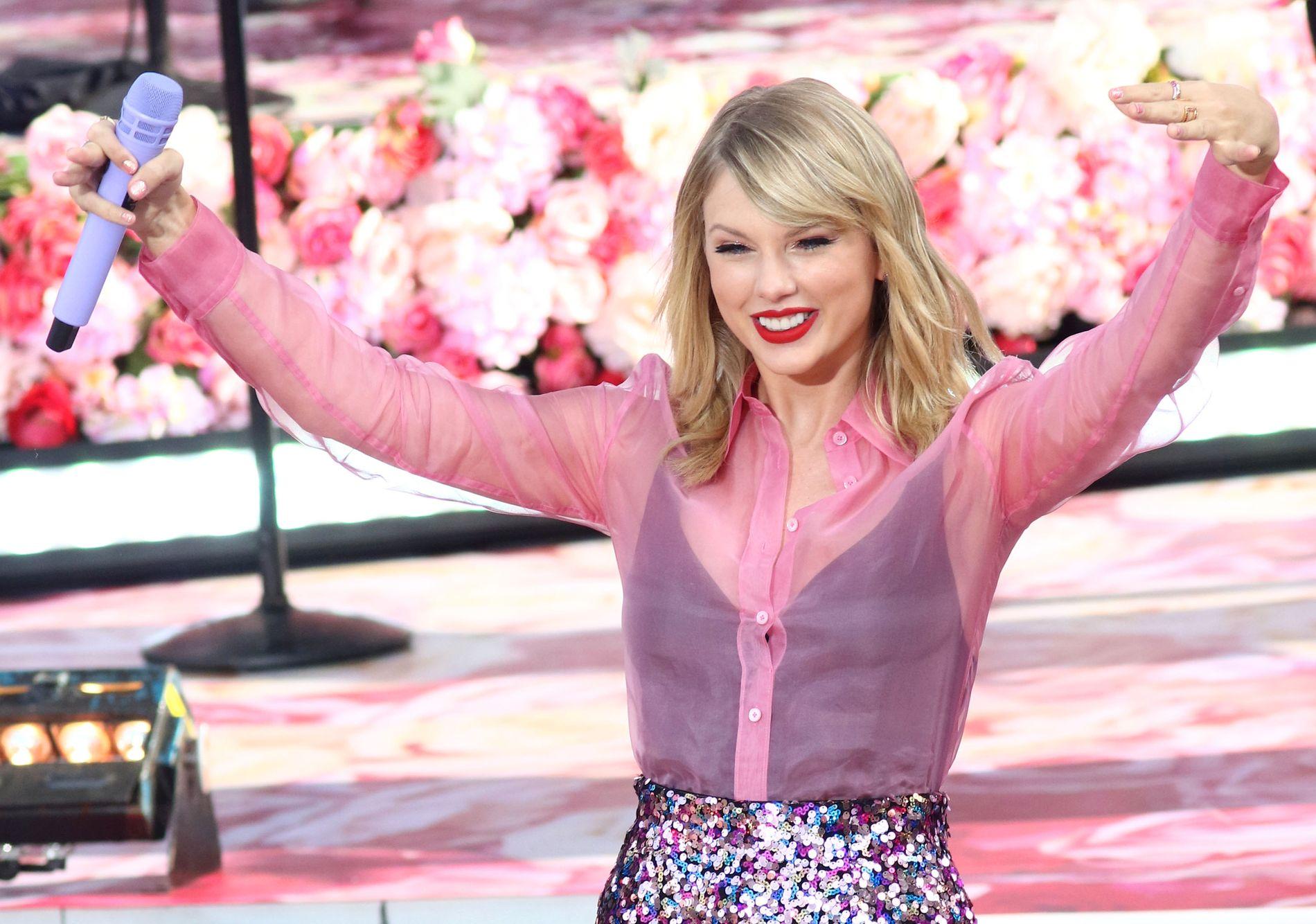 LOVER: Taylor Swift har gitt ut nytt album. Her opptrer hun på «Good Morning America» i New York i sammenheng med utgivelsen.