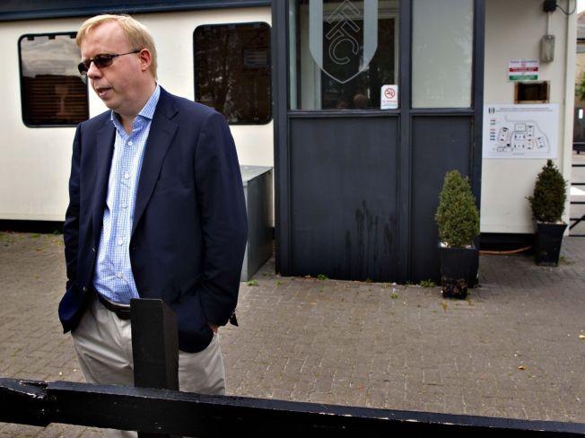 TILBAKE I MANESJEN: Rune Hauge er fortsatt aktiv innen fotballen. Nå kan han komme til å stå for salget av fotballrettighetene fra 2017. Her er han fotografert utenfor Fulhams anlegg i 2009.