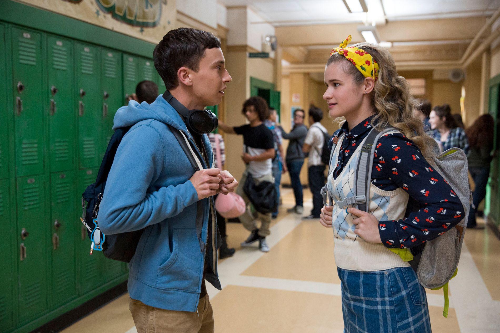 UNDDOMSLIVET: Keir Gilchrist som Sam og Jenna Boyd som Paige i sesong 2 av «Atypical».