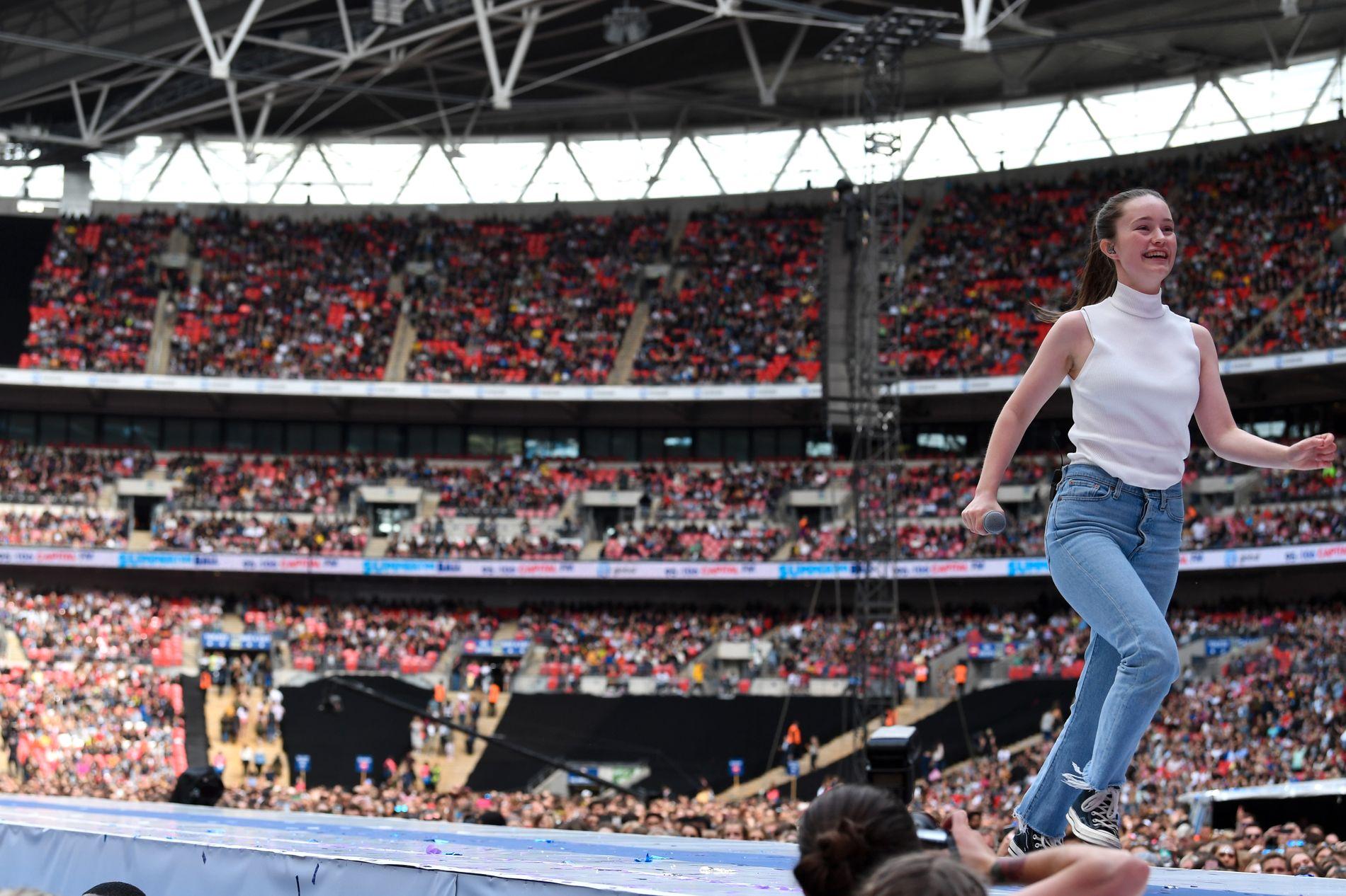 SPILTE FOR 80.000: Sigrid underholdt en fullstappet Wembley stadion i London 8. juni, under radiokanalen Capital FMs popfestival.