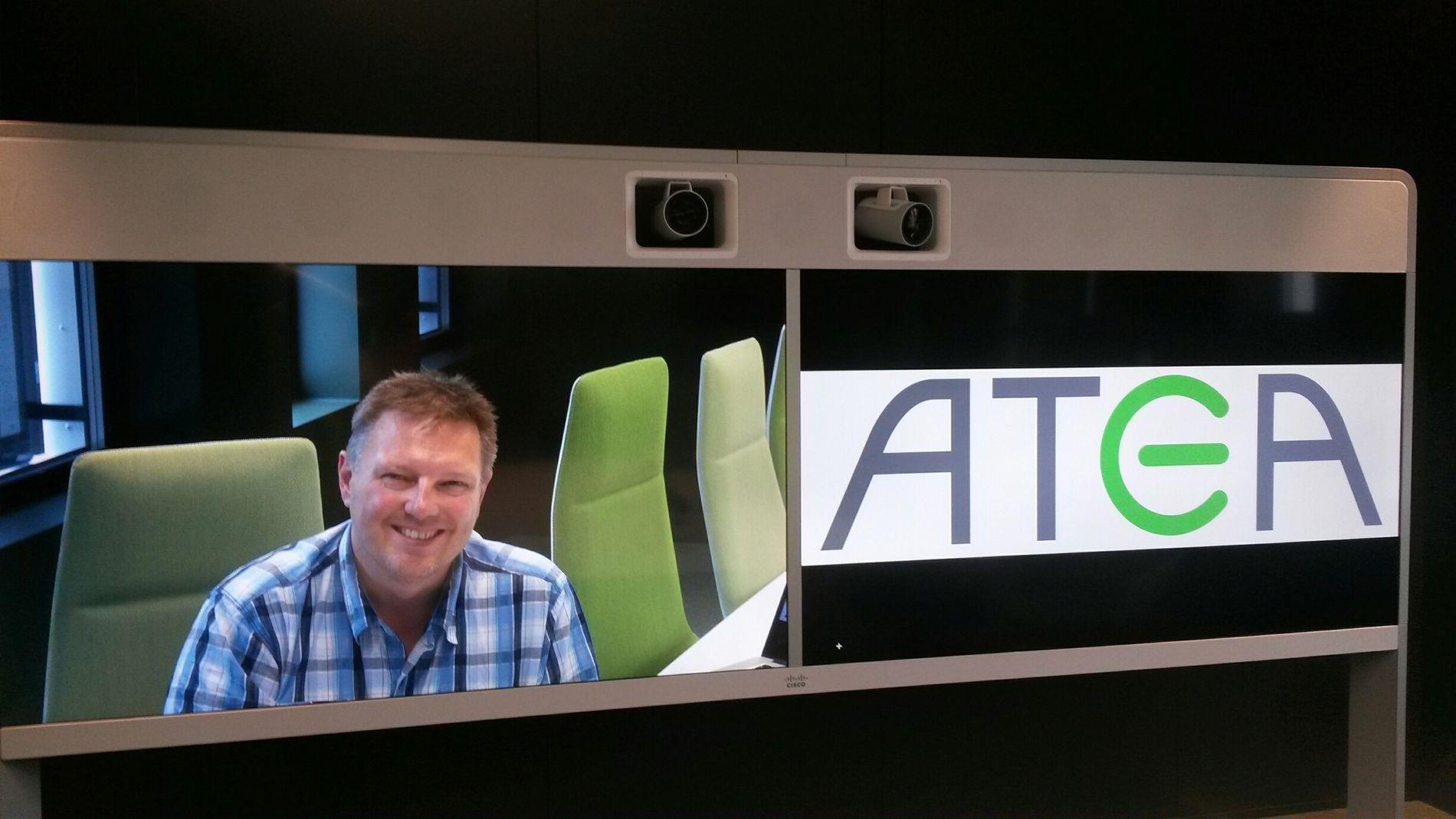 – Det skjer ekstremt mye med de interaktive skjermløsningene akkurat nå, mener Gjermund Karlsen i Atea.